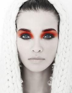 Ojos dramáticos + Labios nude Regla de oro!