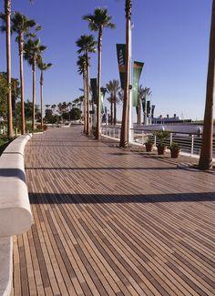 Queensway Bay, Long Beach, CA / Whitacre Greer Boardwalk Pavers; 2002 Brick Paving Design Award Winner/OLIN