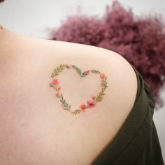 ✱ Heart wreath 2 . From . #saegeemtattoo #studiobysol #tattoo #tattooer #tattooist #koreatattoo #koreatattooist #seoultattoo #flowertattoo #rosetattoo #hearttattoo #wreathtattoo #watercolortattoo #tattoodesign #타투도안 #타투도안제작 #도안제작 #꽃타투 #타투 #하트타투 #하트리스타투 #리스타투 #타투이스트새김 #타투이스트 #감성타투 #수채화타투 #우정타투 #커플타투 #미니타투