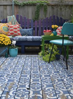 Awesome Ways to Jazz Up Your Porch with Painting Projects - Neue Ideen Outdoor Furniture Sets, Decor, Home And Garden, Outdoor Decor, Painted Floors, Outdoor Living, Outdoor Projects, Front Yard, Decorating Your Home