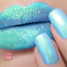 #pigments #mermaid #instamakeup #makeupaddict #makeup #girlynailsdeluxe #nagellack #naillacquer #nailpolish #nailporn #lips #lipliner #lipstick #fashionnails #nailfashion #nailart #essence #dm #glitternails #glitterlips #notd #fotd #nailoftheday #faceoftheday #thelipswatchchallenge #beautyblogger #fashionblogger #hairandmakeup #nailblogger #makeupfanatic1