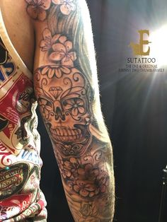 Black and Grey Sugar skull tattoo.For appointments, kindly email Su at http://exoticpiercing.tattoo/contact.html https://www.facebook.com/Exotic-Tattoos-and-Piercings-418666600080/ https://www.youtube.com/channel/UCY5J83bWVuiEY4JCp31Ecrg?disable_polymer=true https://www.instagram.com/sutattoo/?hl=en https://twitter.com/sutattoo http://exoticpiercing.tattoo/ https://tattoocloud.com/users/6739/tattoos# JohnnyTwo Thumbs Tattoo Studio. The One & Original Johnny Two Thumbs Family .