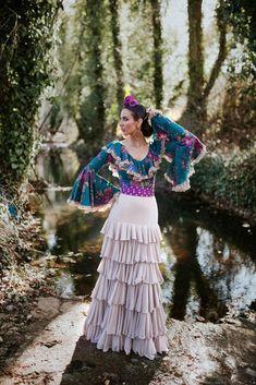 Trajes de flamenca 2018. Colección Salinas Special Events, Harajuku, Glamour, Womens Fashion, Skirts, Clothes, Sierra, Abaya Fashion, Style