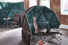 Kivo collaborative furniture provides a fine balance between open space and privacy. System Furniture, Office Furniture, Furniture Design, Commercial Design, Commercial Interiors, Modern Interior Design, Interior Architecture, Design Comercial, Office Pods