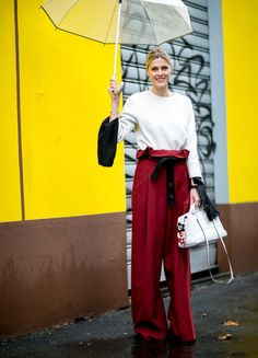Milan Fashion Week Fall 2016 Street Style: See All the Best Outfits Street Style Chic, Milan Fashion Week Street Style, Street Style 2016, Milano Fashion Week, Autumn Street Style, Street Style Looks, Fall Inspiration, Paperbag Hose, Fall Collection