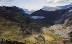 The Colombian Andes - Laguna Verde en Parque Nacional El Cocuy [5941 x 3632] [OC]
