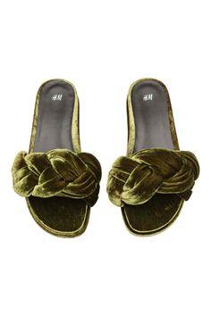 Examine This On Trendy Women's Shoes Wedge Sandals, Shoes Sandals, Heels, Trendy Womens Shoes, Shoe Boots, Shoe Bag, Mens Fashion Shoes, Latex Fashion, Fashion Goth