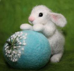 Needle Felted / miniature sculpture /hare with egg / rabbit/ bunny/ egg/ Easter handmade gift - Nadelfilzen Ideen Felted Wool Crafts, Felt Crafts, Needle Felted Animals, Felt Animals, Nuno Felting, Needle Felting, Miniature Rabbits, Felt Decorations, Felt Patterns
