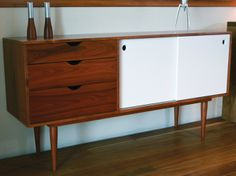 Next furniture I'll buy ! Retro Furniture, Painted Furniture, Furniture Design, Buffet Design, Teak Sideboard, Credenza, Style Deco, Picture On Wood, Inspired Homes