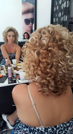 Short Permed Hair, Short Curly Haircuts, Curly Hair Cuts, Permed Hairstyles, Wavy Hair, Pretty Hairstyles, Curly Hair Styles, Hair Clips For Braids, Shot Hair Styles
