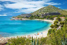Plage de Mlini, îles Pakleni, Croatie. http://www.lonelyplanet.fr/article/les-plus-belles-plages-de-croatie #Mlini #plage #îlesPakleni #Croatie #voyage