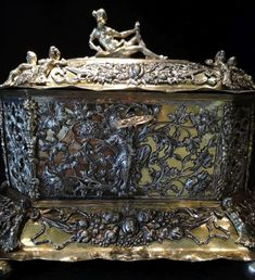 Silver casket with Venus and symbols of the four seasons by Christian I Pichgel in Gdańsk, before 1700, Museum of Decorative Arts in Berlin. © Marcin Latka #fragment #silver #casket #venus #symbols #fourseasons #christianpichgel #gdansk #artinpl #museum #decorative #berlin #openwork #tendril #octagonal #box #fruitfestons #gilt Casket, Four Seasons, Venus, Art Decor, Berlin, Decorative Boxes, Museum, Symbols, Christian