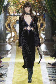 Roberto Cavalli Fall 2016 Ready-to-Wear Fashion Show - Mayka Merino