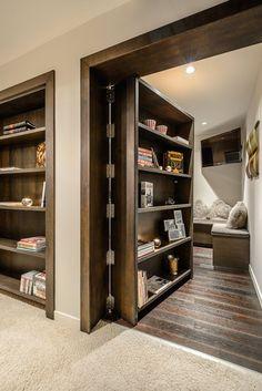 Convierte una puerta en una estantería y tendrás un espacio secreto