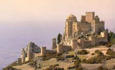 Castillo de Loarre, el recinto románico mejor conservado y más completo de Europa occidental. Si desea consultar el libro donde se encuentra esta foto, pinche en el siguiente enlace: