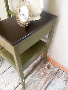 Vintage Gossip Bench. Painted in Annie Sloan Olive and antiqued. Table top painted with General Finishes Java Gel Stain. #ascp #olive #darkwac #generalfinishes #java #gelstain