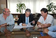 Se firmo el pasado 8 de Marzo de 2012 un histórico acuerdo de colaboración mutua, entre la Unión de Trabajadores del Turf y Afines (UTTA), representada por el Secretario General, Carlos Felice, y la Federación Argentina de Trote, a través de su Presidente, Raúl Enrique De Nicolay. El objetivo del acuerdo está basado en el compromiso de las partes en la generación de acciones conjuntas para el fortalecimiento de la Industria Hìpica y el desarrollo de la actividad del deporte Hípico del Trote.