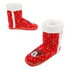 Share the magic this Christmas in snug style with these knitted slipper boots! Featuring a Mickey and Minnie badge with shimmer accents and gold snowflakes, and a little fleece inside for extra warmth! Disney Mouse, Disney Mickey, Minnie Mouse, Ugg Boots, Shoe Boots, Disney Souvenirs, Disney Christmas, Christmas Ideas, Knitted Slippers