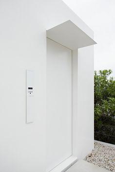 Minimalist House | Jonathan Savoie  Architecture