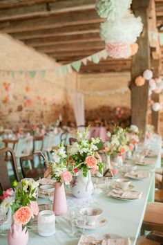 Top 9 Spring & Summer Wedding Color Palettes---blush pink and mint wedding centerpieces with peonies flowers in the vases, diy wedding table settings, country barn weddings Wedding Mint Green, Summer Wedding Colors, Blush Mint Wedding, Mint Rustic Wedding, Coral Wedding Colors, Woodland Wedding, Green Tablecloth, Vintage Inspiriert, Wedding Decorations