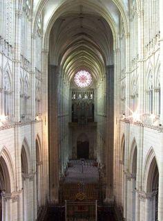 Cathedrale d'Amiens - nef depuis le triforium - Cathédrale Notre-Dame d'Amiens — Wikipédia
