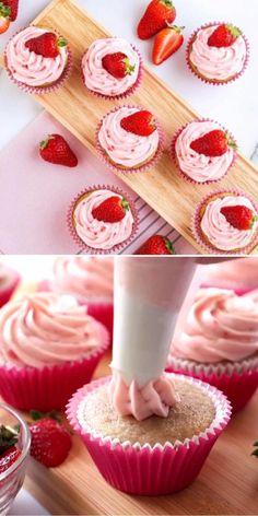 Fresh Strawberry Cupcakes Recipe, Moist Cupcake Recipes, Strawberry Buttercream Frosting, Strawberry Cheesecake Cupcakes, Strawberry Icing, Buttercream Recipe, Summer Dessert Recipes, Delicious Desserts, Perfect Cupcake Recipe
