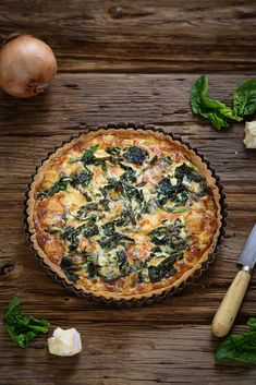 Appetizer Recipes 88479 Quiche or savory tart with onions, spinach and Reblochon cheese. A tasty, easy and vegetarian recipe that can be a complete dish. No Dairy Recipes, Veggie Recipes, Vegetarian Recipes, Fruit Appetizers, Appetizer Recipes, Vegan Breakfast Recipes, Breakfast Bowls, Quiches, Scones Ingredients