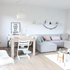 How To Use A Living Room Sofa For Maximum Space Utilization? Living Pequeños, Living Room Sofa, Home Living Room, Apartment Living, Living Room Decor, Living Spaces, Small Living, Estilo Interior, Home Decor Inspiration
