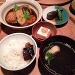 ディヨンナナショクドウ (d47食堂) - 渋谷/定食・食堂 [食べログ]