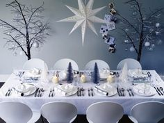 A cool minimalist Christmas tablescape.