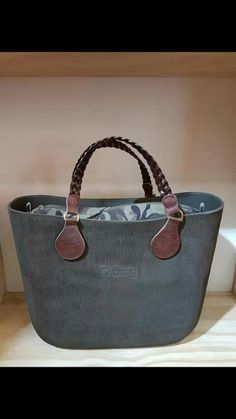 Obag Brush, Cute Handbags, Girl Bottoms, Modern Outfits, Hobo Bag, Purse Wallet, Fashion Bags, Leather Bag, Purses And Bags
