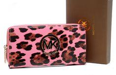 www.lulumk.com Michael Kors Handbags Outlet, Michael Kors Sale, Chloe Handbags, Jones Fashion, My Sewing Room, Online Fashion Stores, Fashion Beauty, Women's Fashion, Fashion Trends