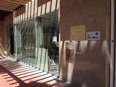 Farmacia Ana Mesa durante el proceso de reforma Renovation, Pharmacy, Towers