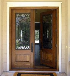 P101I-Q puerta doble de entrada de madera con reja de hierro artesanal