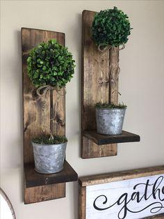 Handmade Home Decor Handmade Home, Wood Pallet Furniture, Rustic Furniture, Diy Furniture, Pallet Sofa, Diy Pallet, Luxury Furniture, Reclaimed Wood Shelves, Hanging Vases