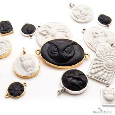 nunn-design-sculpted-relief-pendant frame by frame tutorial how to sculpt, crystal clay them resin in bezel Has all 4 part videos on this blog