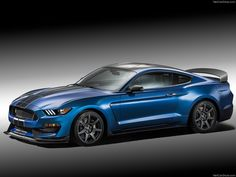 Ford unveils their 2015 Shelby Mustang at 2015 Detroit Auto Show. The 2015 Shelby Mustang is a limited-edition performance model. Ford Mustang Gt500, Ford Mustang Shelby Gt, Ford Mustangs, Nuevo Ford Mustang, 2015 Mustang, Blue Mustang, Autos Ford, Shelby Gt350r, Detroit Motors