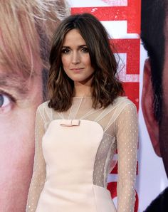 rose byrne pucci2 Rose Byrne Wears Emilio Pucci to The Internship Los Angeles Premiere