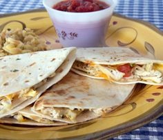 Chicken & Cheese Quesadillas: 1 cup ml) cooked cubed chicken 2 cups ml) grated low-fat cheese 1 green pepper, diced 12 — cm) whole-wheat tortillas 2 Tbsp ml) Epicure's 3 Onion Dip Mix Epicure Recipes, Dip Recipes, Dinner Recipes, Recipies, Mexican Recipes, Cheesy Recipes, Chicken Recipes, 12 Recipe, Recipe List