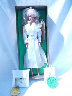 Palmers of Austria Angel Barbie in White Chemise and White Robe (1997) ED - RARE. One of a series of Palmers dolls.