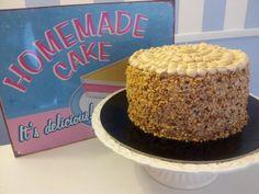 Vintage cake...Nocciola... :-P