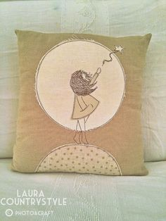 Laura country style: My home: living room Sewing Pillows, Diy Pillows, Decorative Pillows, Free Motion Embroidery, Cross Stitch Embroidery, Machine Embroidery, Small Quilts, Mini Quilts, Anni Downs