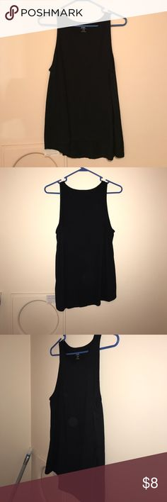 Old Navy Women's Tank Top Solid Blank Old Navy Loose fitting Very Comfortable Only Wore A Few Times Scoop Neck Old Navy Tops Tank Tops