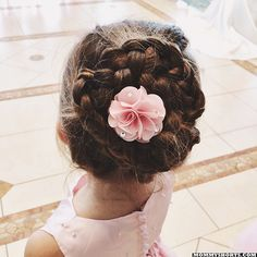 Ilana from MommyShorts attended a wedding this weekend and used her Olympus TG-950 to document the event. Here's her daughter Mazzy's awesome hairstyle. Follow the link to read more.