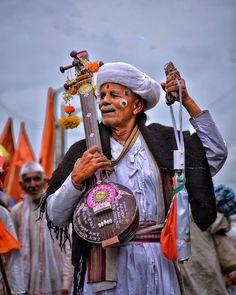 Sai Baba Wallpapers, Hd Wallpapers 1080p, Pune Ganpati, Pencil Sketches Of Faces, Marathi Calligraphy Font, Amazing Photography, Art Photography, Mustang Wallpaper, Goa Wedding