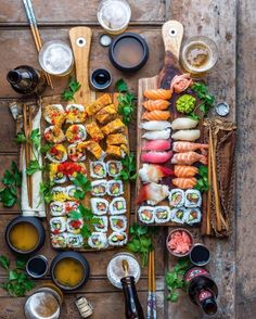 Find images and videos about food and sushi on We Heart It - the app to get lost in what you love. Sushi Recipes, Asian Recipes, Cooking Recipes, Healthy Recipes, Ethnic Recipes, Sushi Platter, Food Platters, Food Presentation, Food Inspiration
