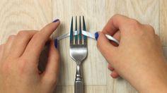 Enroulez un ruban autour des dents d'une fourchette et tirez bien fort. Le résultat ? Trop mignon!