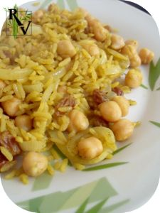 Riz-Pilaf-au-Curry--Pois-Chiches---Raisins-Secs.png