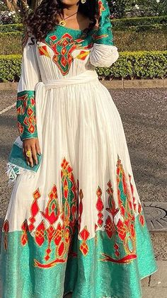 Habesha Kemis, Eritrean, Ethiopian Traditional Dress, Traditional Dresses, Ethiopian Dress, Afghan Dresses, Queen Fashion, Celebrity Makeup, Girls Dresses