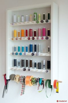 DIY: Sewing thread rack with building instructions ZinullaCraft , DIY: Sewing thread rack with building instructions ZinullaCraft. Coin Couture, Sewing Room Storage, Sewing Rooms, Room Organization, Woodworking Crafts, Home Accents, Sewing Studio, Home Accessories, Diy And Crafts